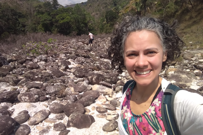 Despedida da minha bota na trilha para Cachoeira das Andorinhas no Morro do Pilar.